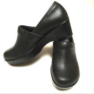 "JBU Jambu ""cordoba"" black matte leather clogs 7"